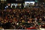 Phố phường Sài Gòn tắc nghẽn đêm Noel