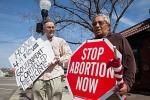 Nạo phá thai khiến hàng ngàn phụ nữ tử vong mỗi năm