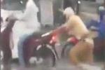 Phát sốt clip CSGT lội nước đẩy xe giúp dân