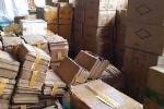 Thu giữ hơn 5 tấn mỹ phẩm giả ở chợ trung tâm Móng Cái