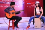 Nữ sinh Việt Nam duyên dáng phô diễn tài năng
