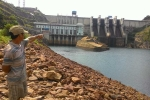 Dân hoang mang vì tin đồn nước rò rỉ ở đập thủy điện