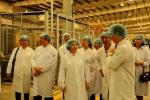 Các tham tán thương mại, công sứ Việt Nam tại các nước thăm siêu nhà máy sữa Vinamilk
