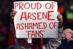 Cổ động viên Arsenal chia rẽ vì Wenger