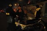 Xưng cảnh sát, chặn xe người đi đường trong đêm rồi nổ súng