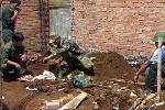 Phát hiện hầm vũ khí 'khủng' dưới nền nhà