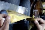 Mốt tặng quà Tết bằng vàng năm Rắn