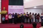 12 nữ sinh khuyết tật nhận học bổng 72 triệu đồng