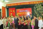 Nhân ngày thầy thuốc: Phó Thủ tướng Vũ Đức Đam tặng hoa các lương y