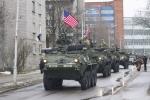 Video: Mỹ rầm rộ hành quân xuyên châu Âu, sát biên giới Nga