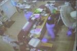 Khởi tố kẻ 'đại náo', đánh nhân viên bệnh viện Bạch Mai