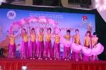 Sinh viên ĐH Nội vụ trình diễn sôi động trong Huha's Got Talent 2016