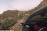 Clip: Sống sót thần kỳ sau khi lật xe xuống vực