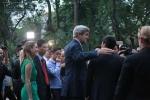 Báo Mỹ: Trở lại nơi từng tham chiến, Ngoại trưởng Mỹ vẫn được dân VN đón tiếp nồng hậu