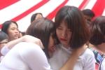 Nữ sinh trường Việt Đức xinh đẹp bật khóc trong ngày bế giảng