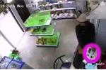 Clip: Siêu trộm 'ảo thuật' đánh cắp iPhone trong chớp mắt
