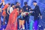 Thần đồng đánh trống Trọng Nhân đăng quang Vietnam's Got Talent 2016