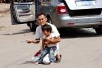 Cư dân mạng bức xúc vì những ông bố bà mẹ tồi tệ nhất