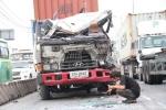 Container liên tiếp gây tai nạn, hàng ngàn xe cộ 'giậm chân' trên xa lộ