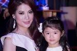 Trương Ngọc Ánh và con gái Bảo Tiên làm vedette