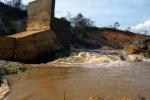 Vỡ đập thủy điện: Chủ đầu tư làm sai thiết kế