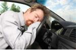 Cách chống lại cơn buồn ngủ ập đến khi bạn đang lái xe