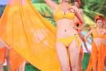 Người đẹp HH các dân tộc VN nóng bỏng với bikini