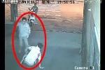 Clip: Vụ đâm người giữa phố rúng động Trung Quốc