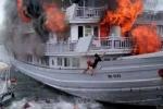 Quảng Ninh mất kiên nhẫn vì... tàu vỏ gỗ trên vịnh Hạ Long