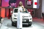 Người phụ nữ đẹp nhất Italia 'cưng' xế nhỏ Fiat Panda