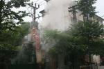 Hà Nội: Trạm biến áp sát cây xăng bùng cháy dữ dội