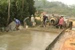 Người dân bị bắt nộp tiền làm đường