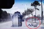 Clip: Lấn làn, nam thanh niên suýt tử nạn dưới gầm xe bồn
