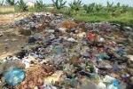 Nguồn nước bốc mùi vì bãi rác nông thôn