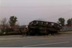 Ảnh quân sự: Xe tăng Trung Quốc phơi bụng trên phố