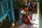 Clip: Trộm xe máy bị dân quây đánh hội đồng thảm hại