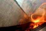Siêu môtô bốc cháy ở tốc độ 400 km/h