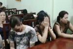 Phá sòng bạc, bắt hàng chục 'quý bà' giữa Sài Gòn