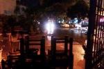 Gió lốc bất thường, người dân TP.HCM hoảng loạn