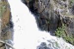 3 du khách Anh tử nạn tại thác Datanla: 'Thác dữ, vách đá dựng đứng mà họ dám liều'