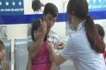 Ồ ạt đưa trẻ đến tiêm vacxin phòng bệnh não mô cầu