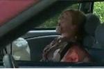 Clip: Vừa lái xe vừa nhắn tin gặp tai nạn thảm khốc