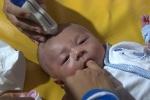 Bé trai bị dao bầu đâm xuyên sọ có ổ nhiễm trùng trong não