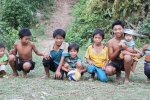 Choáng với cặp vợ chồng 7X ở Quảng Nam sinh... 14 đứa con