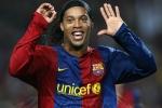 CĐV Real từng đứng dậy vỗ tay một cầu thủ Barca như thế nào?
