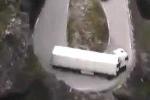 Clip: Pha ôm cua ảo diệu nhất quả đất