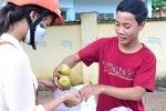 Chàng thủ khoa bán ngô luộc lấy tiền nhập học