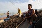 Người dân huyện đảo chủ động ứng phó với bão