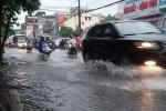 Ảnh: Mưa lớn, Hà Nội ngập sâu nhiều tuyến phố