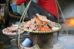 Hải sản vỉa hè lên ngôi ở Hà Nội